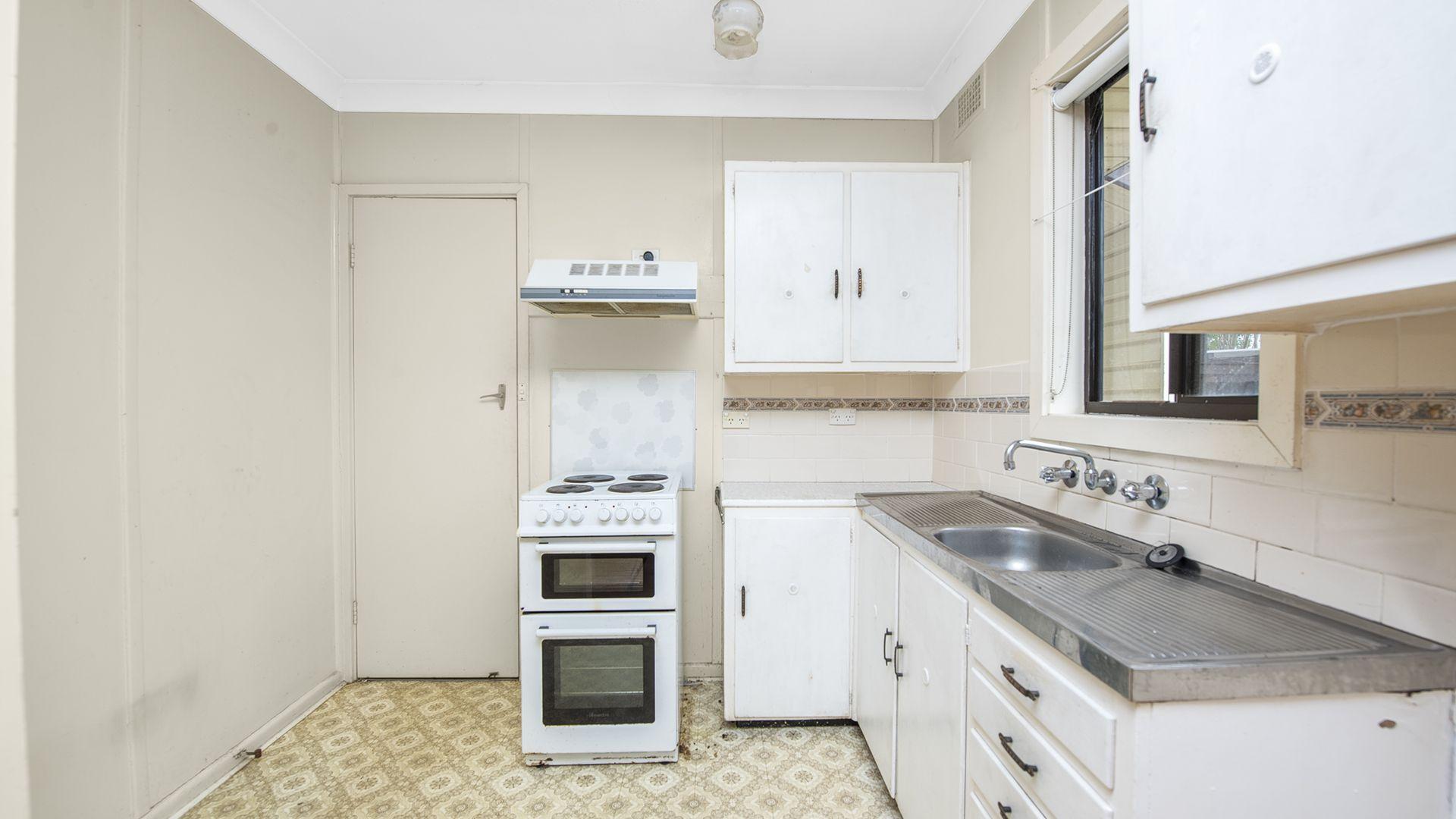13 Seddon Place, Campbelltown NSW 2560, Image 1