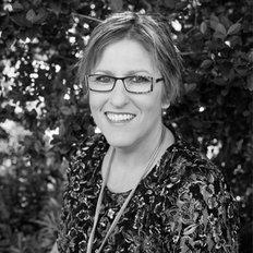Fiona Quinn, Sales representative