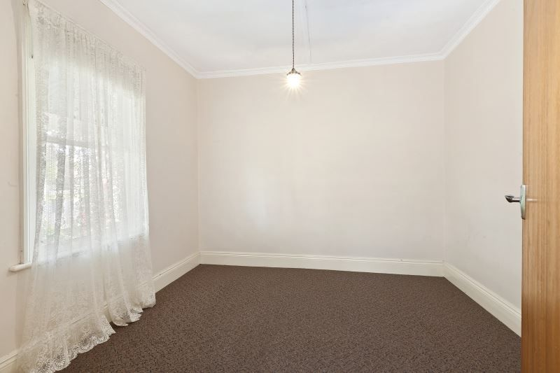 122 Clyde Street, Soldiers Hill VIC 3350, Image 2