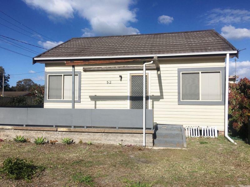 52 Natuna Avenue, Budgewoi NSW 2262, Image 0