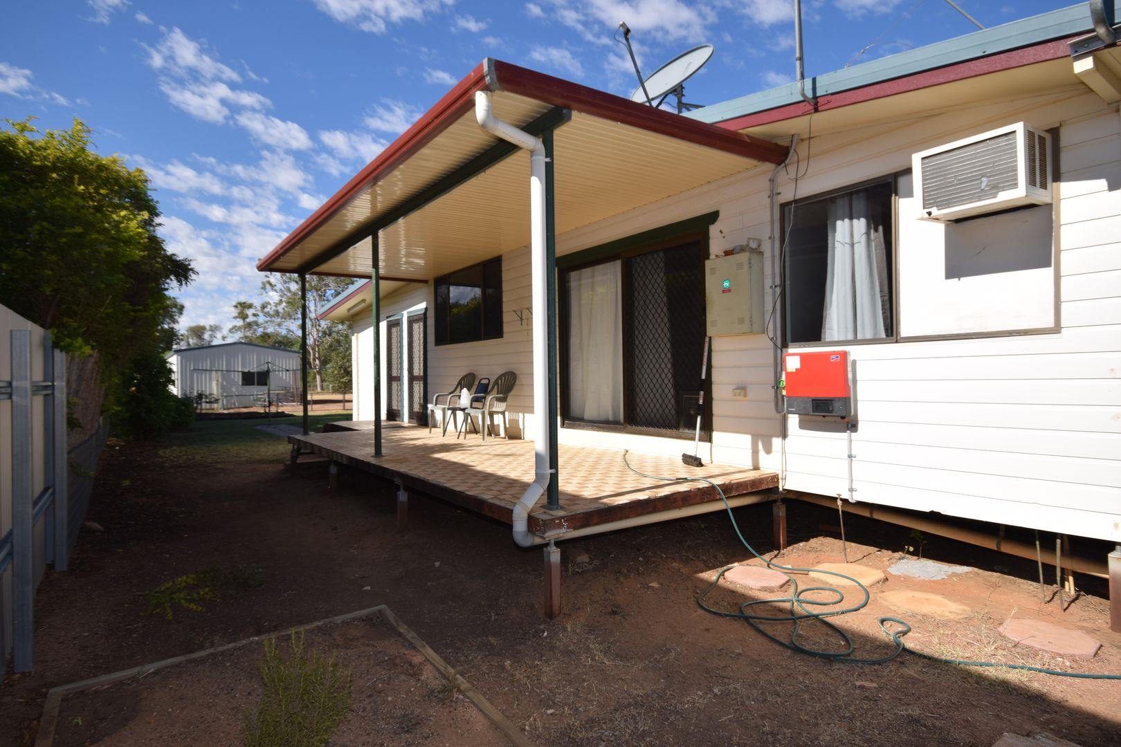 158 Wren Street, Longreach QLD 4730, Image 2