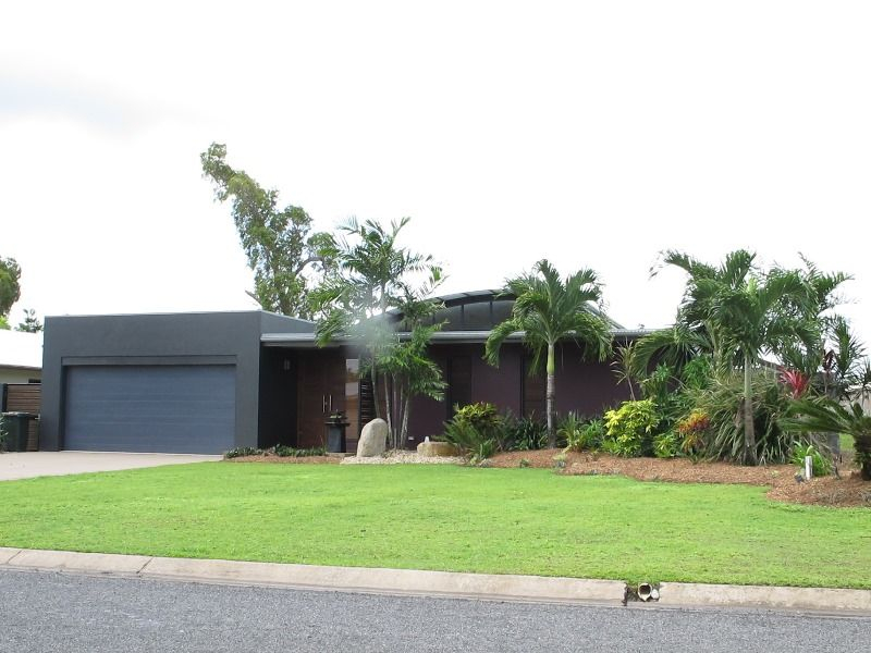 22 Voyager Street, South Mission Beach QLD 4852, Image 2