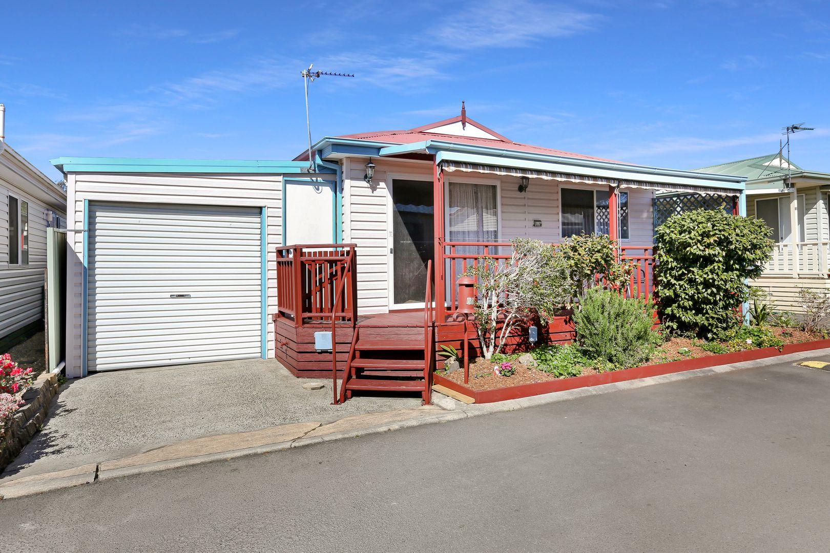 62 Angophora Crescent, Kanahooka NSW 2530, Image 0