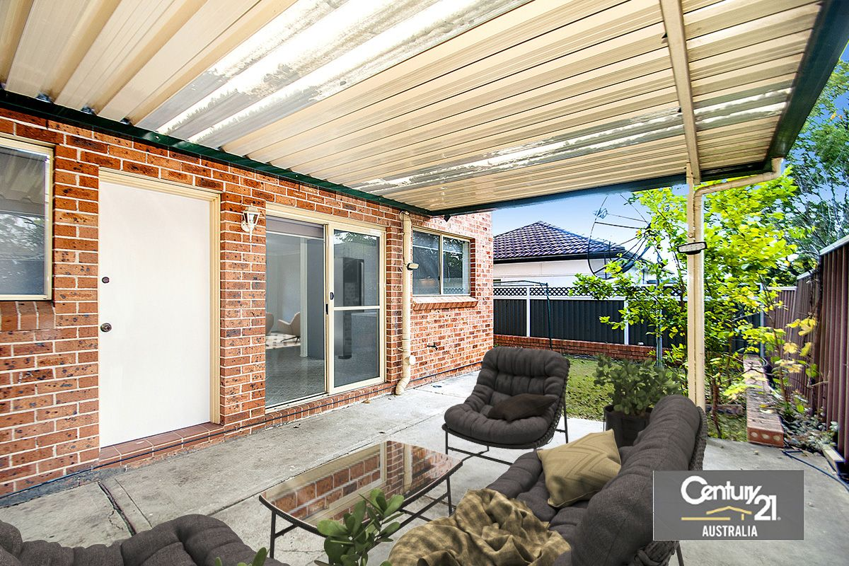 2/99A Bungaree Road, Pendle Hill NSW 2145, Image 2