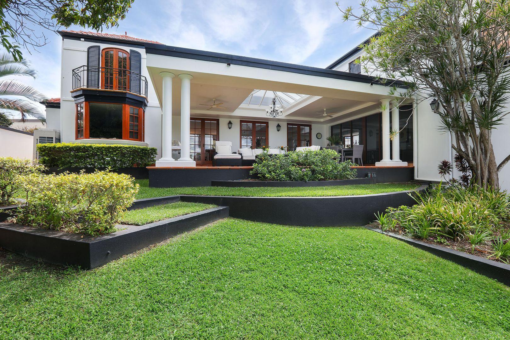 18 Binda Place, Sorrento QLD 4217, Image 0