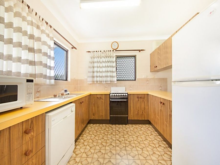 15 Tracey St, Balgal Beach QLD 4816, Image 1
