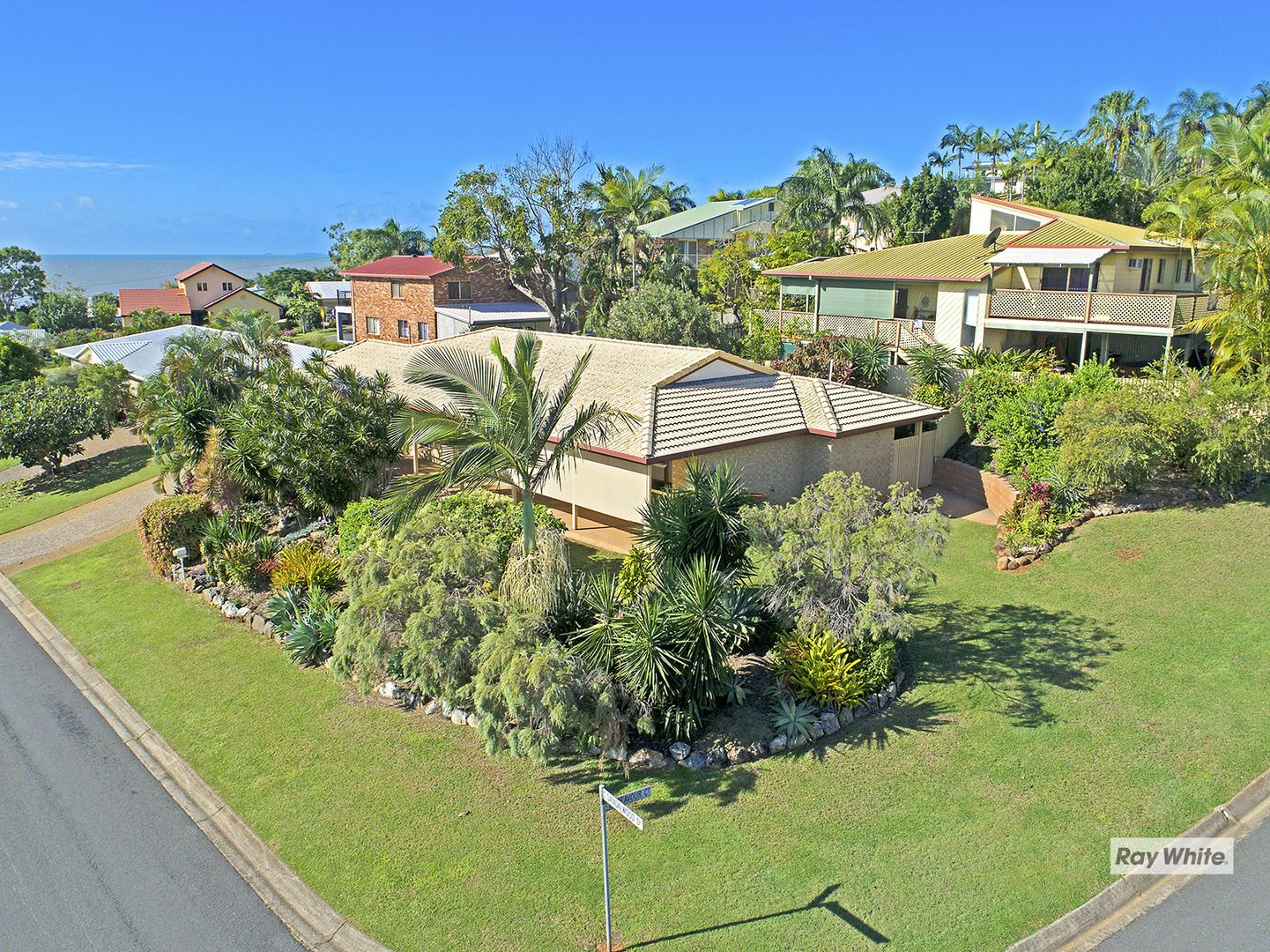 4 Sandalwood Drive, Lammermoor QLD 4703, Image 0