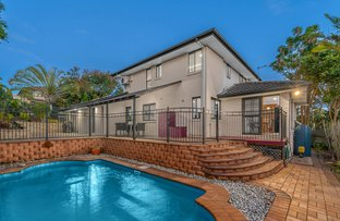 Picture of 61 Golden Oak Crescent, Carindale QLD 4152