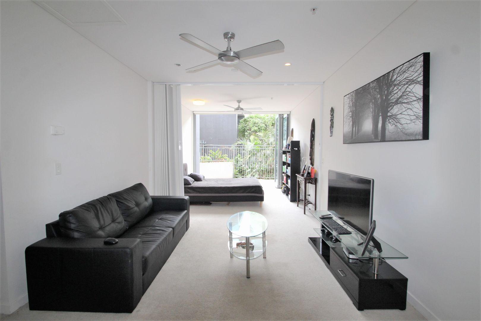 1008/16 Hamilton Place, Bowen Hills QLD 4006, Image 2