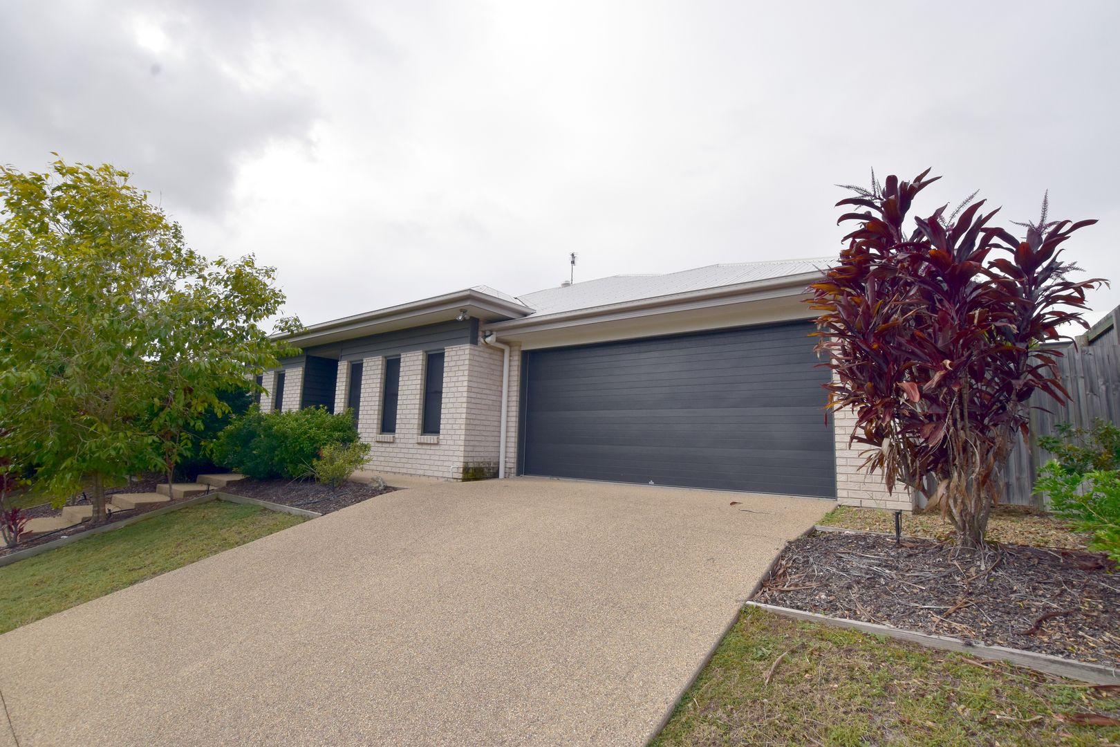 3 Broadwater Place, New Auckland QLD 4680, Image 0