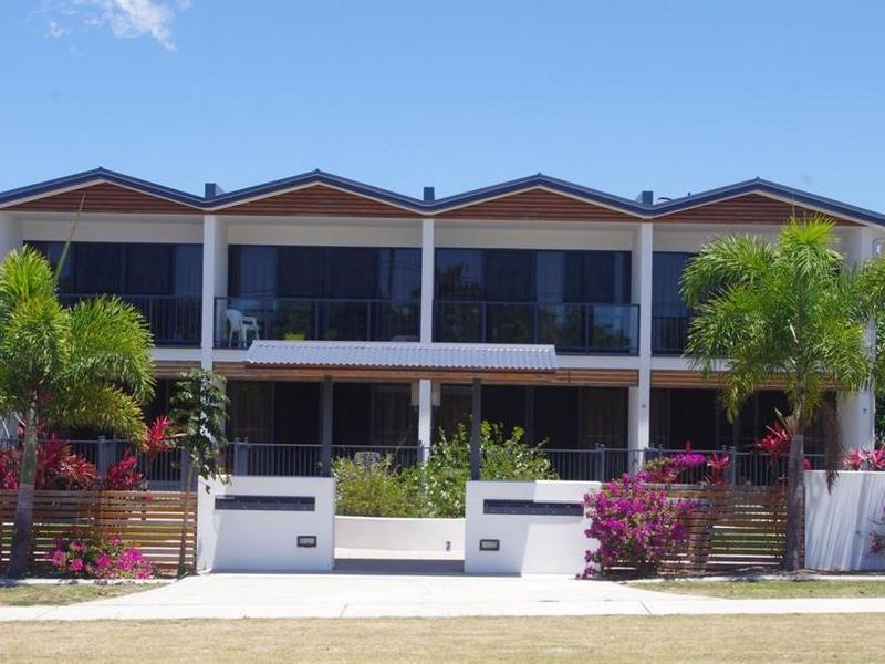 7/74a Powell Street, Bowen QLD 4805, Image 0