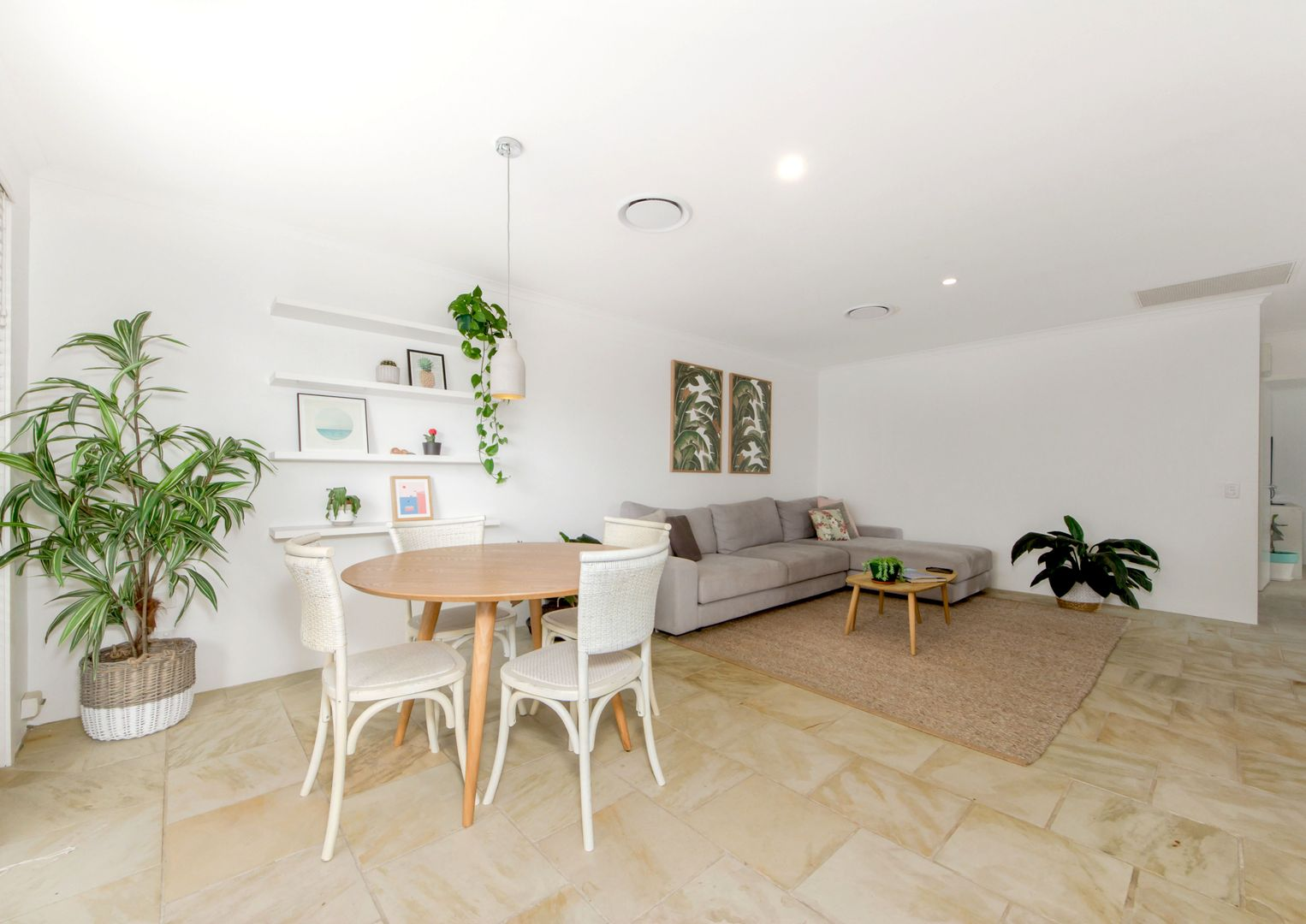8/143 Hedges  Avenue, Mermaid Beach QLD 4218, Image 1