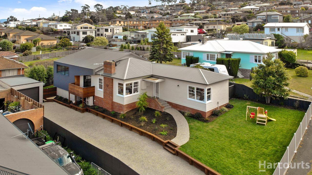 4 bedrooms House in 8 River Street BELLERIVE TAS, 7018