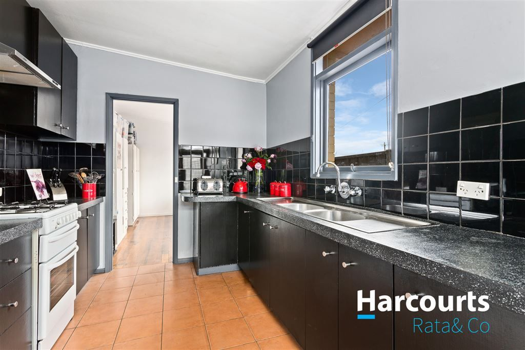 1/8 Cutler Court, Lalor VIC 3075, Image 2