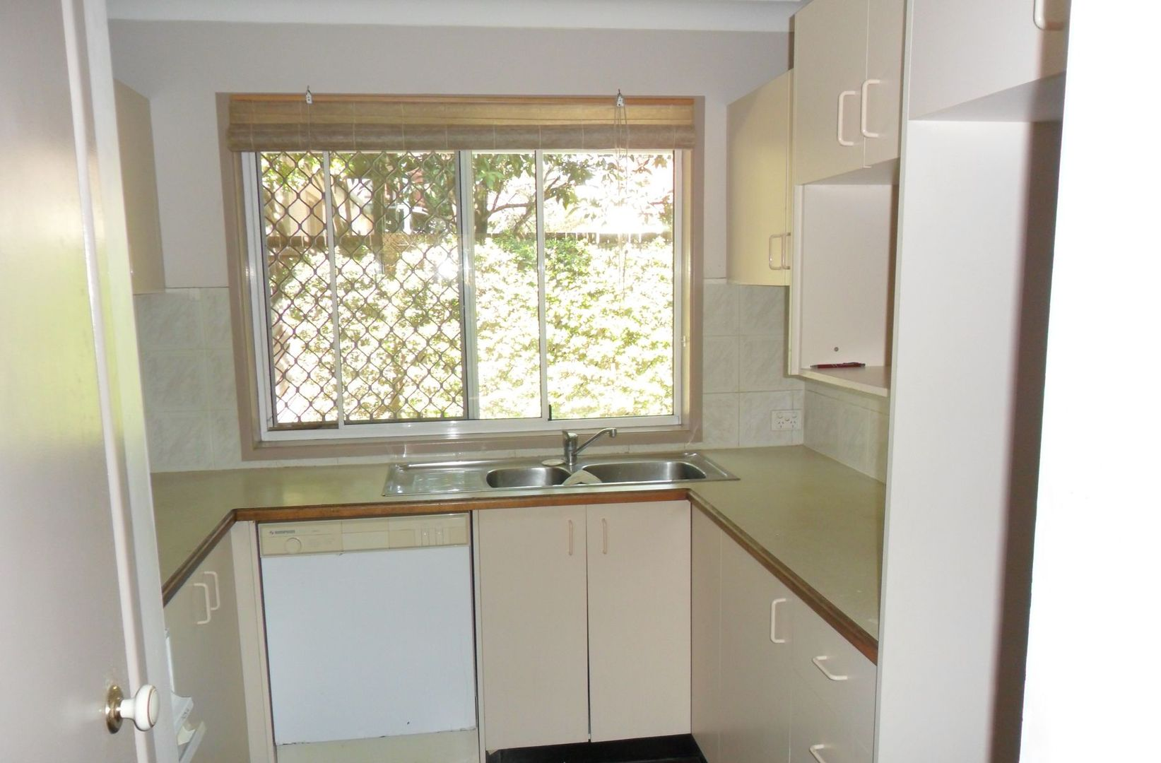 3/20 Coyne Street, Sherwood QLD 4075, Image 2