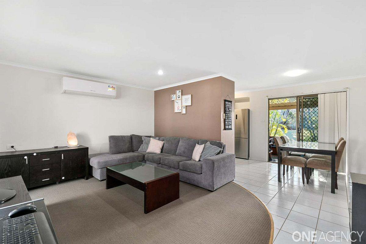 175 Pulgul Street, Urangan QLD 4655, Image 2