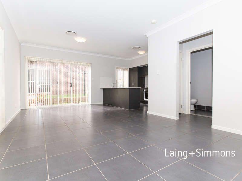 8 Sydney Smith Drive, Penrith NSW 2750, Image 2