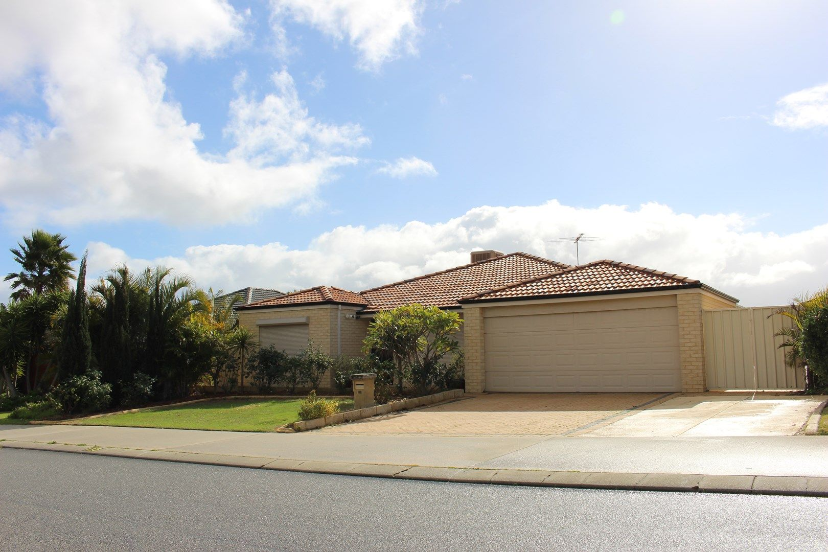 135 St Stephens Crescent, Tapping WA 6065, Image 0