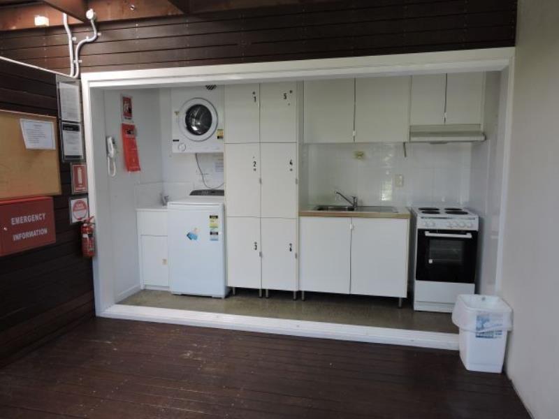 138 Eugaree St, Southport QLD 4215, Image 2