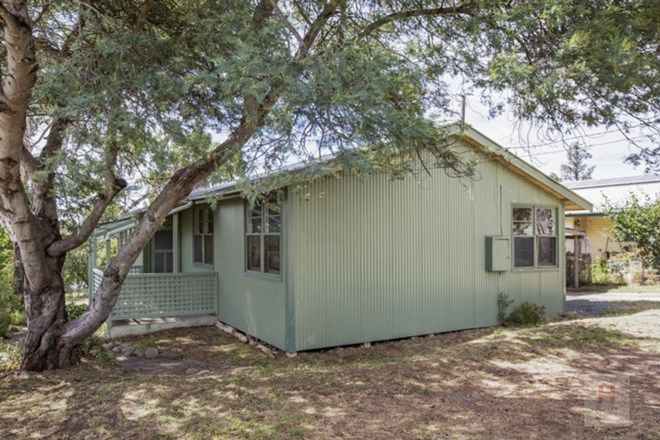 Picture of 8 Baroona Avenue, COOMA NSW 2630