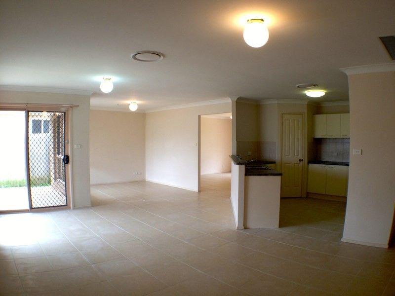 4 Yellowgum Avenue, Rouse Hill NSW 2155, Image 0