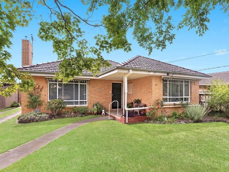 33 Longbrae Avenue, Forest Hill VIC 3131, Image 0