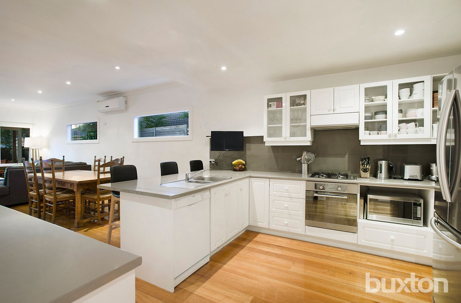 25 Hill Street, Bentleigh East VIC 3165, Image 2