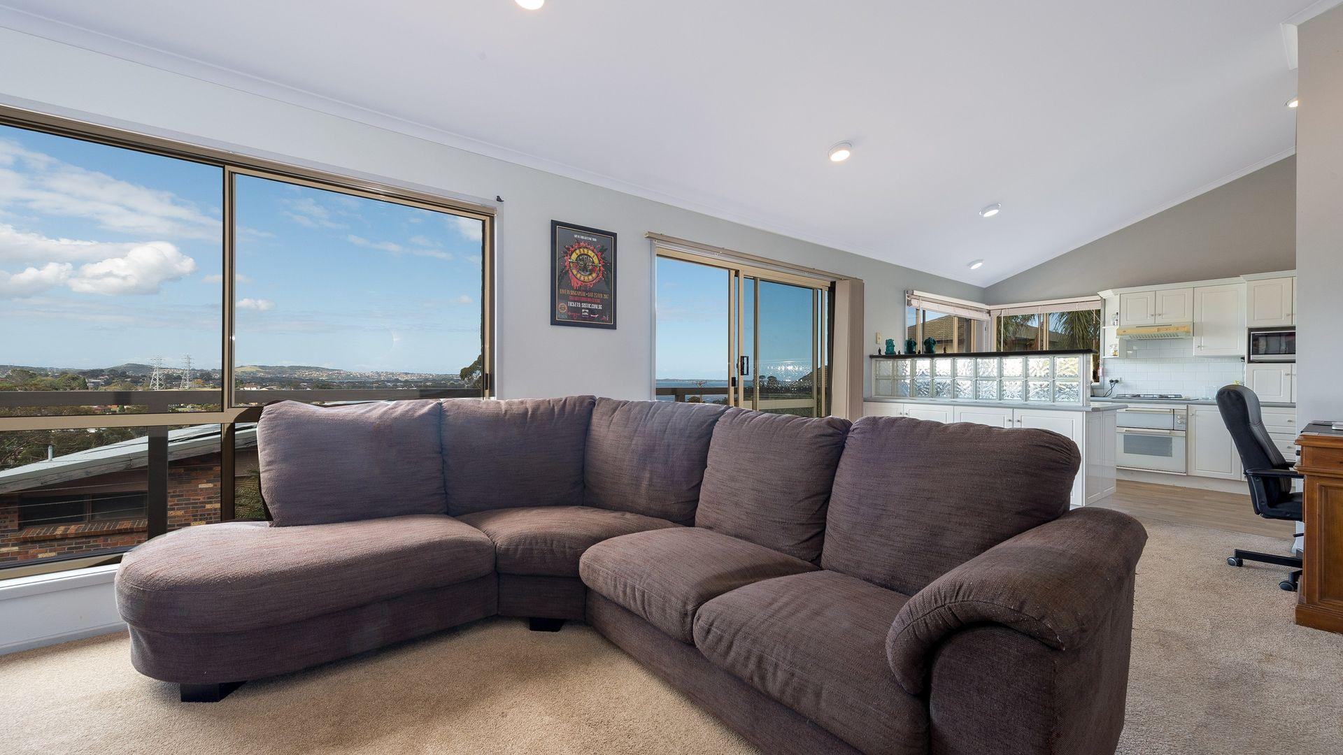 31 Wybalena Ave, Koonawarra NSW 2530, Image 2