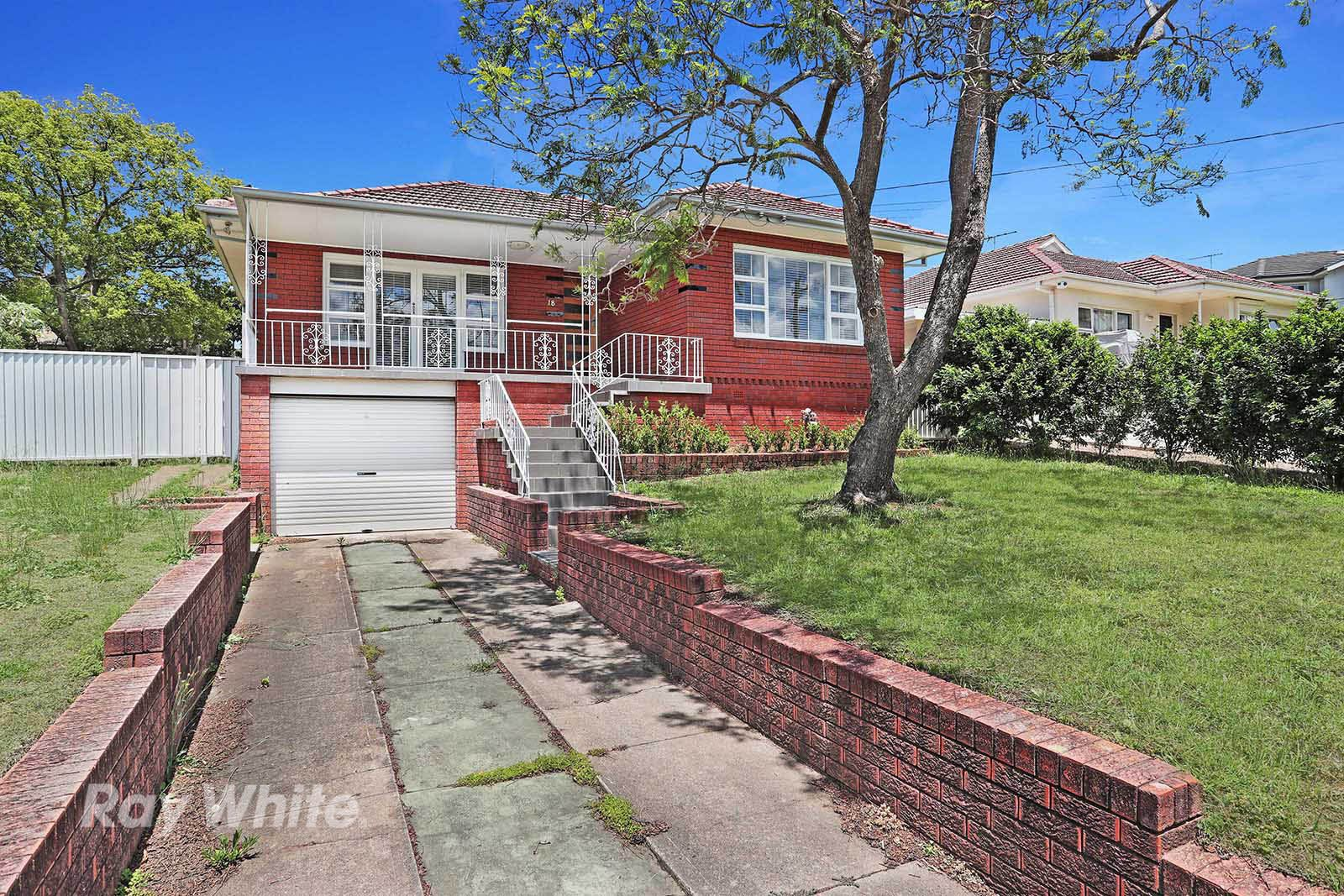 18 Dobson Crescent, Baulkham Hills NSW 2153, Image 0