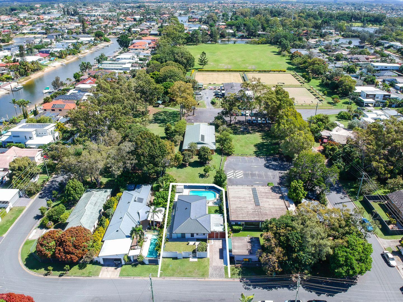 1 Moana Park Avenue, Broadbeach Waters QLD 4218, Image 0