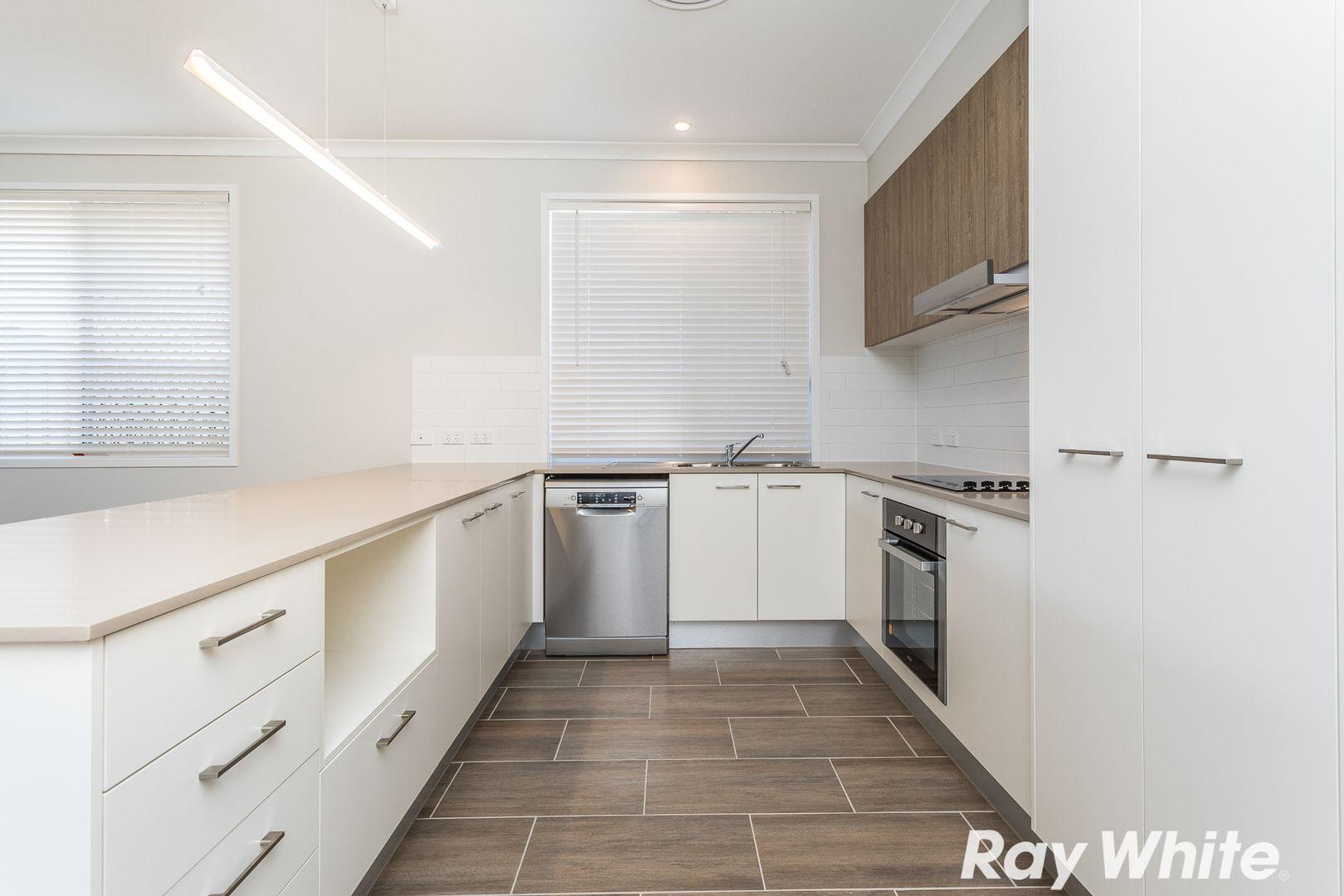 120 Spinnaker Boulevard, Newport QLD 4020, Image 2