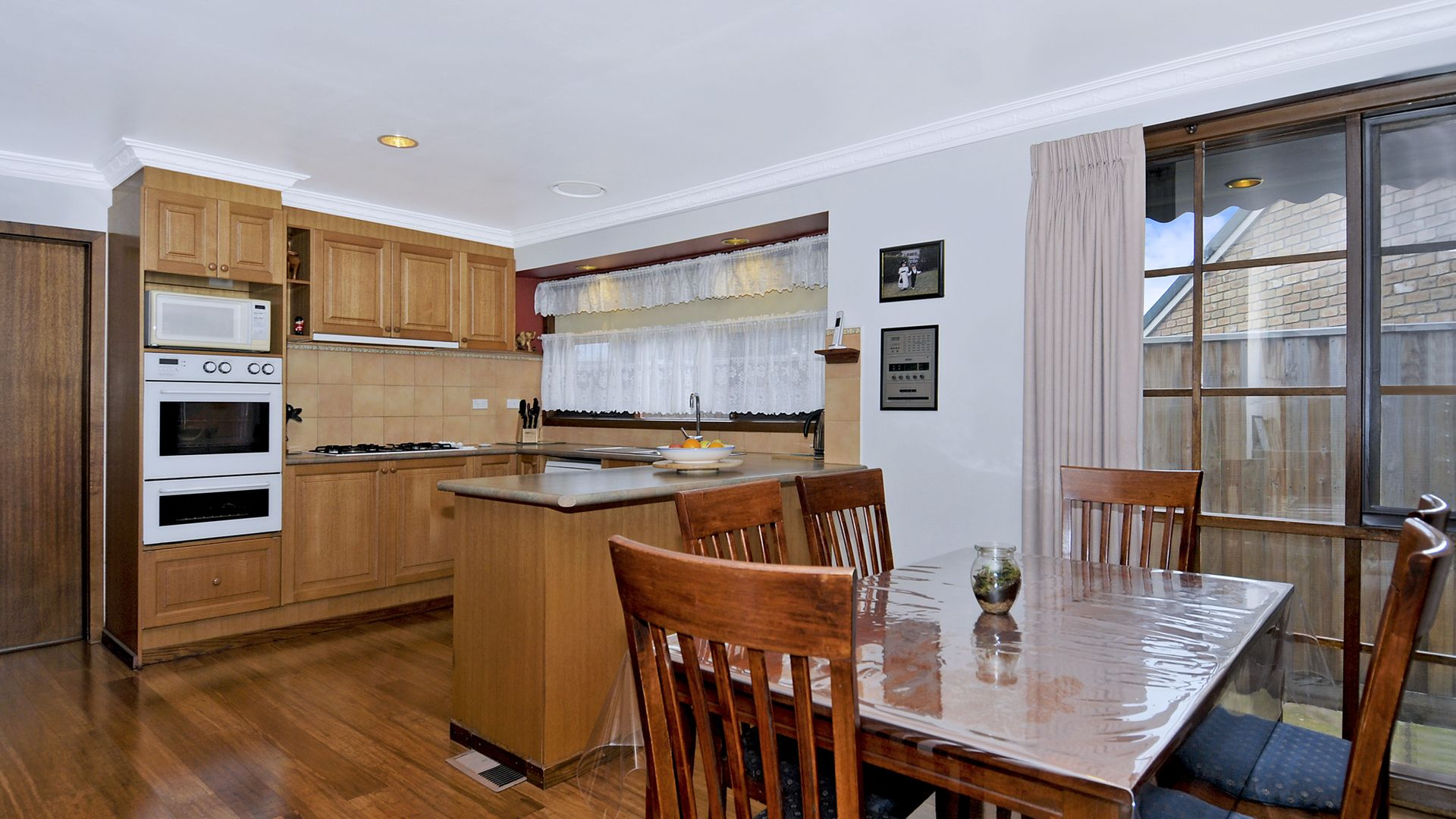 10 Gainford Court, Greenvale VIC 3059, Image 2
