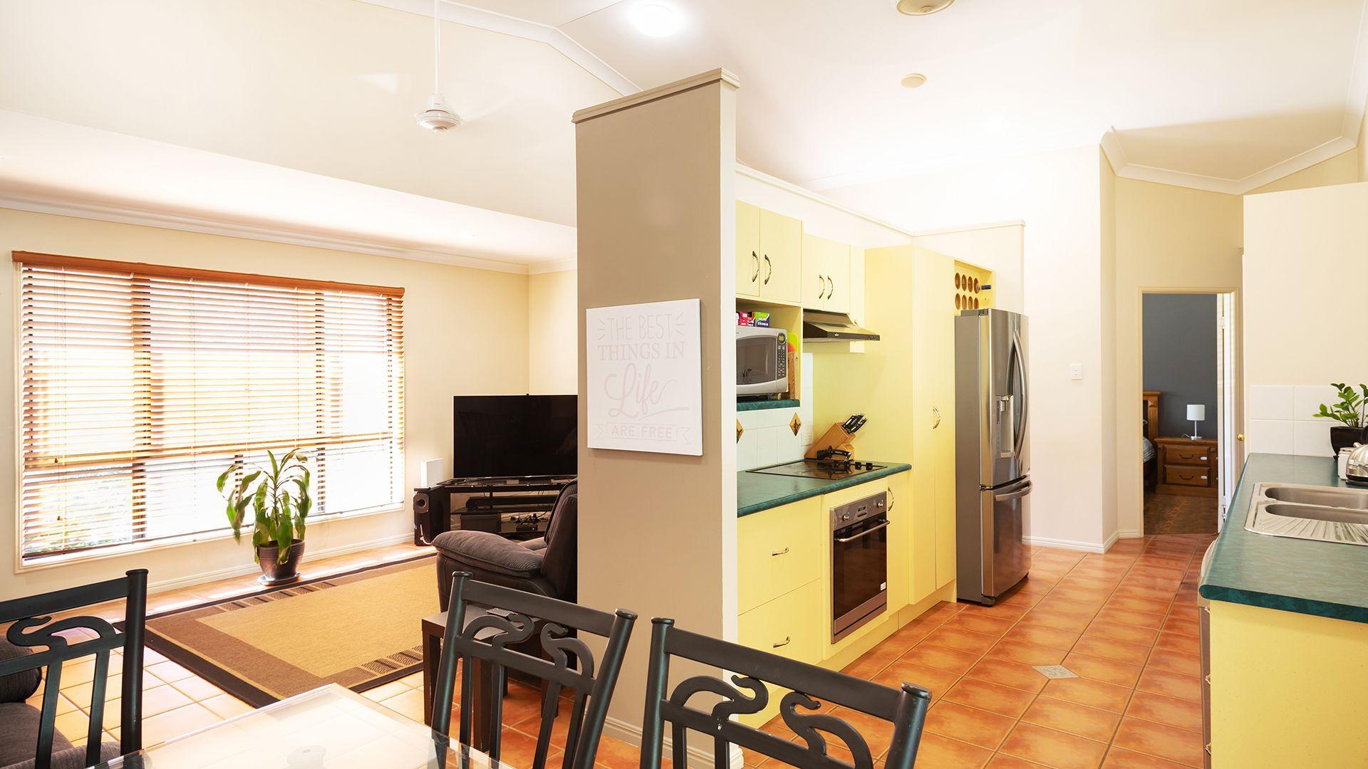 5 Sadowa Court, Wulguru QLD 4811, Image 2