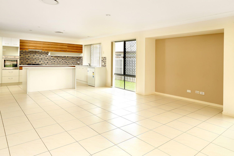 6 Caper White Court, Kallangur QLD 4503, Image 1
