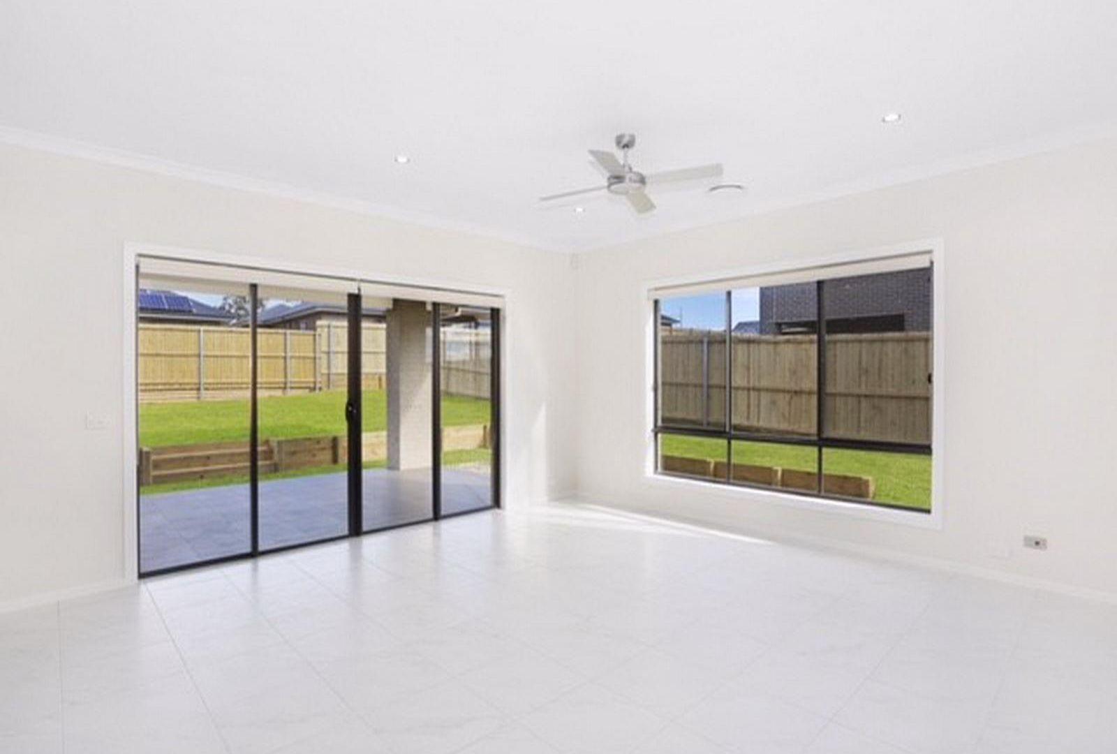 15 Sutton Crescent, Wilton NSW 2571, Image 2