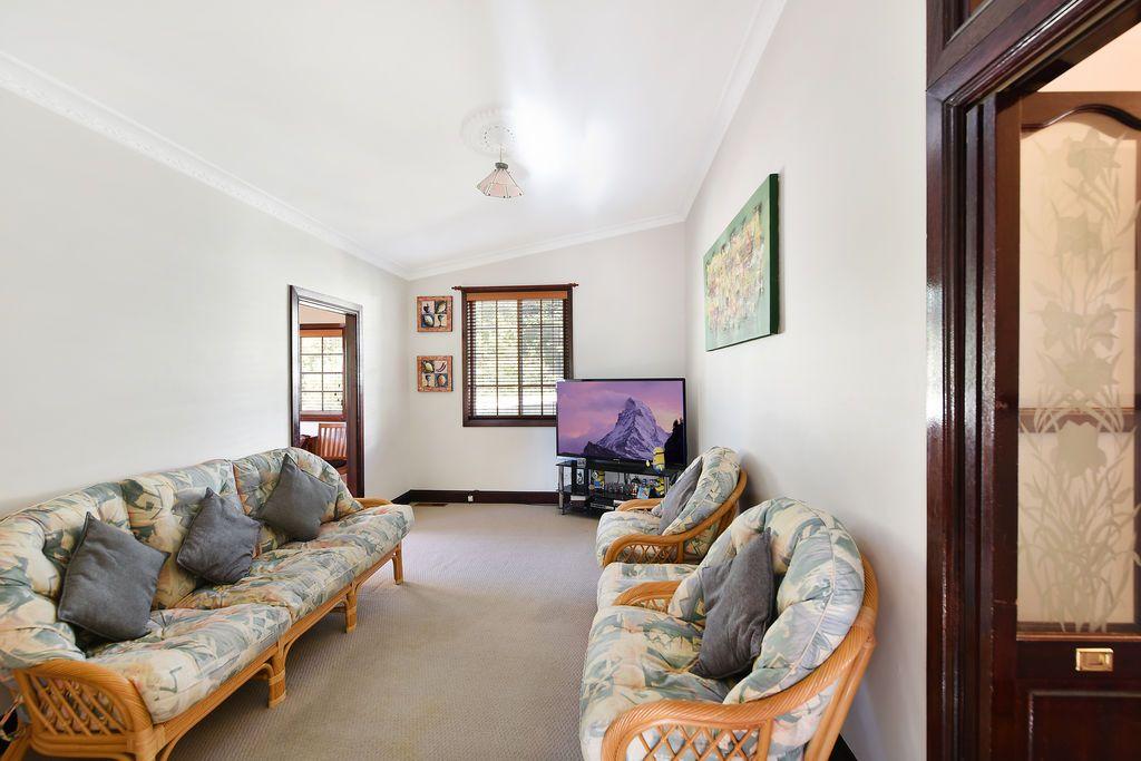 8 Duff Street, Katoomba NSW 2780, Image 2