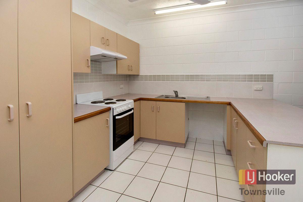 4/8 Watson Street, Rosslea QLD 4812, Image 2