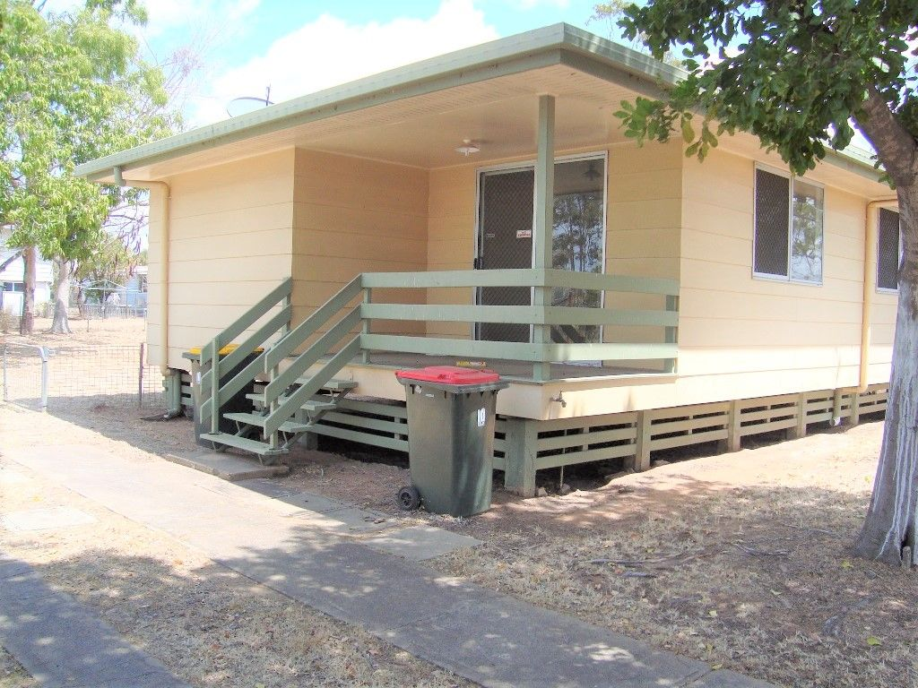 6 Middle Crescent, Dysart QLD 4745, Image 0