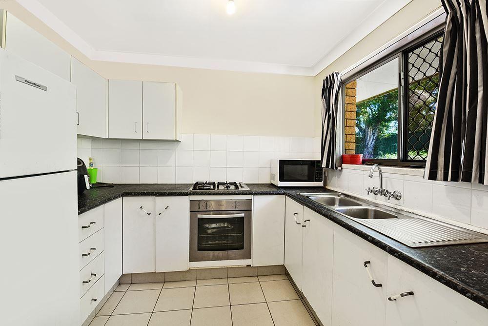7 Tumbarumba Avenue, Ashmore QLD 4214, Image 2