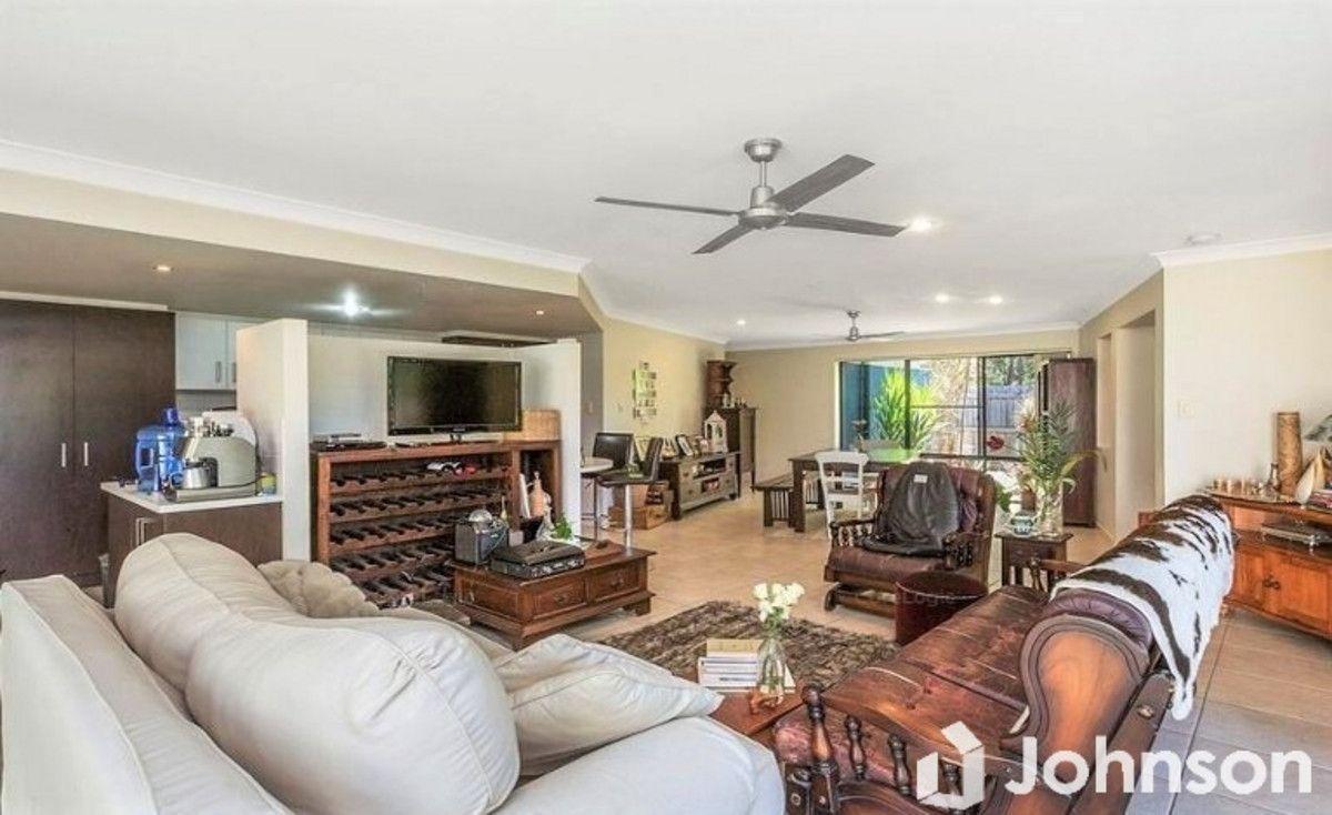11 Serene Place, Birkdale QLD 4159, Image 2