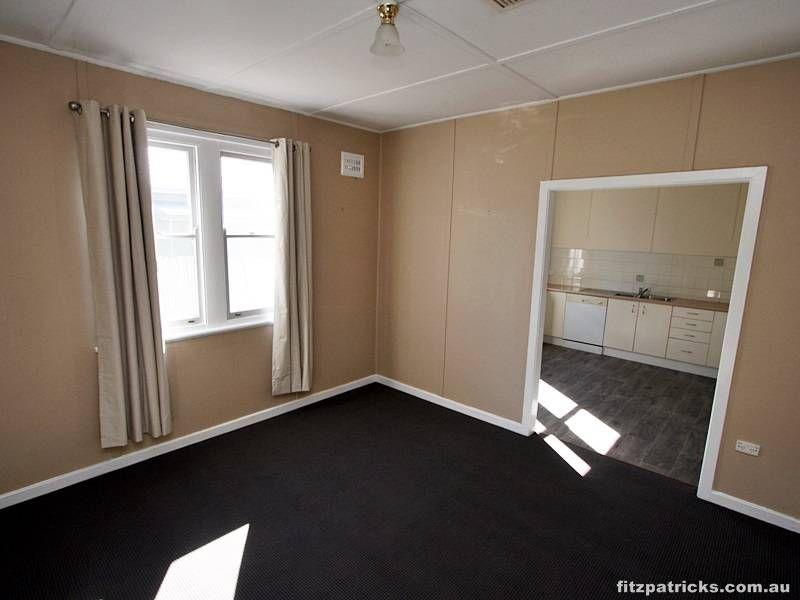 9 Eugene Avenue, San Isidore NSW 2650, Image 2