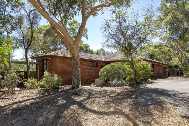 Picture of 27 Meander Road, HURSTBRIDGE VIC 3099