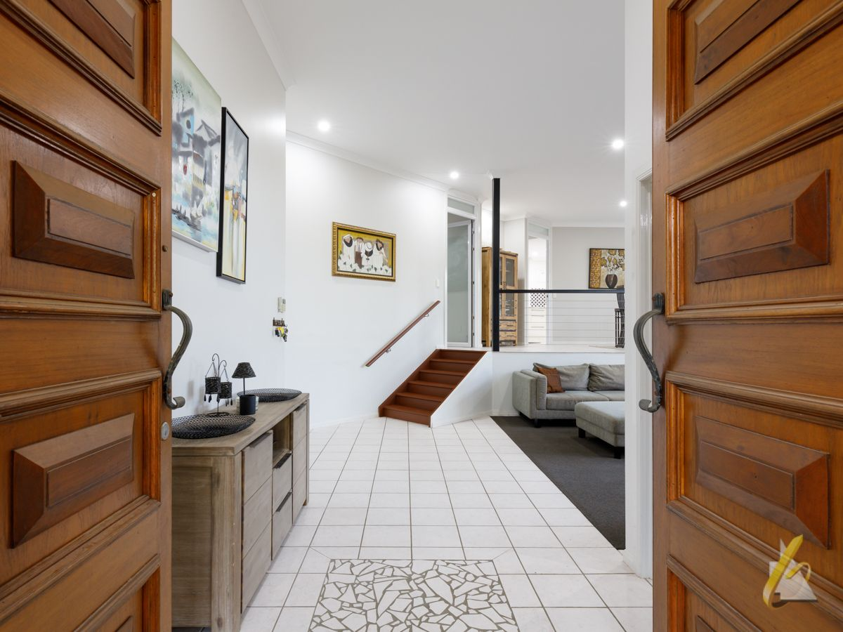 18 Parklane Terrace, Brookfield QLD 4069, Image 2