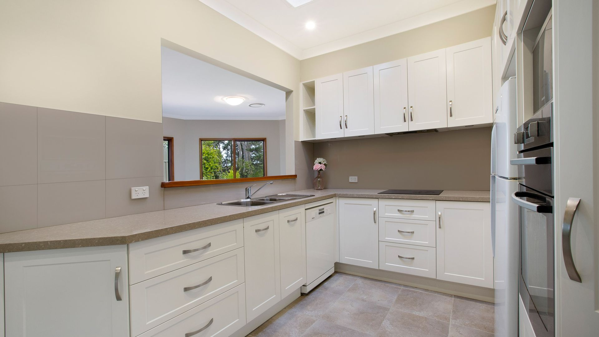 3 Yuruga Avenue, West Wollongong NSW 2500, Image 2