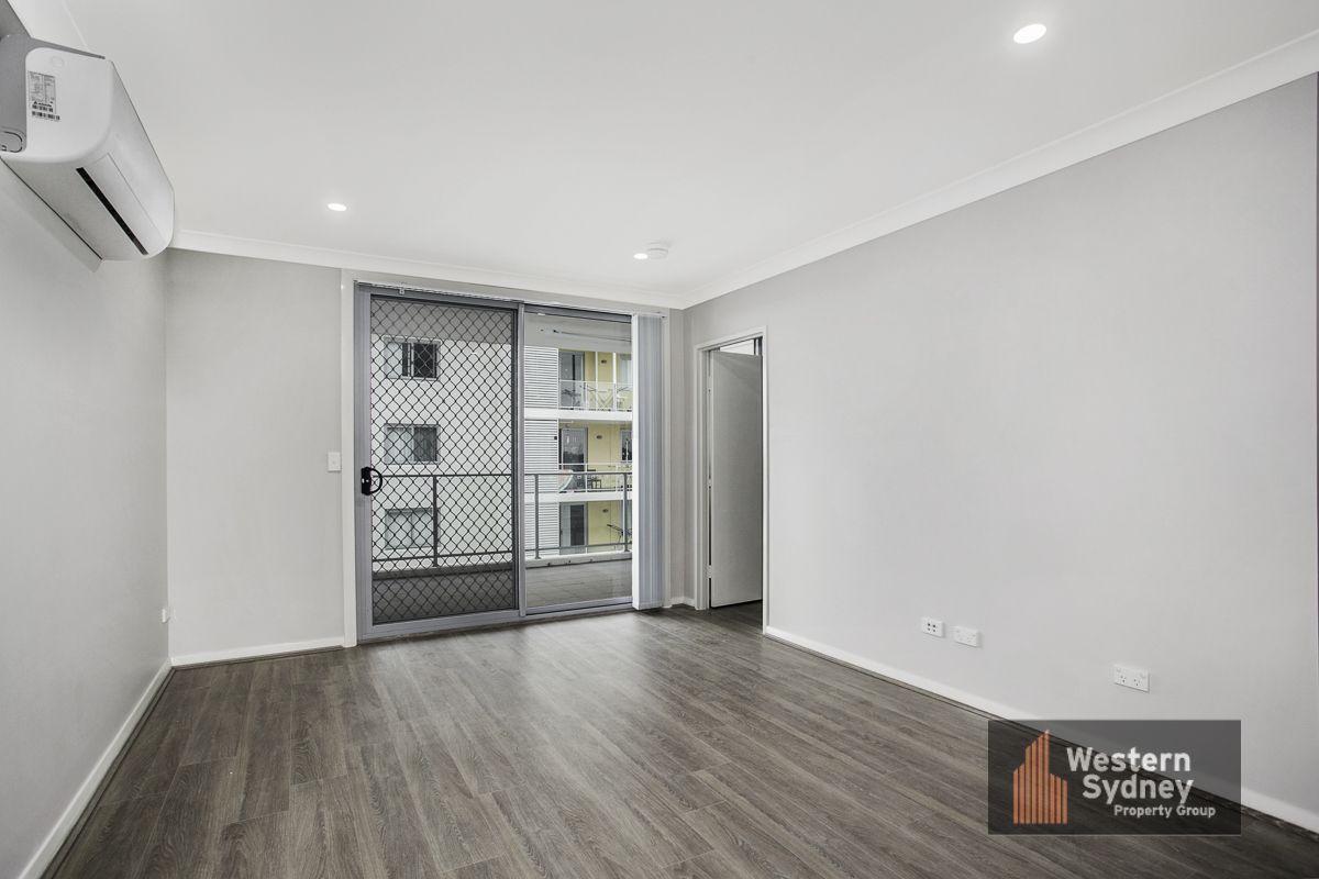 19 Aurelia Street, Toongabbie NSW 2146, Image 2