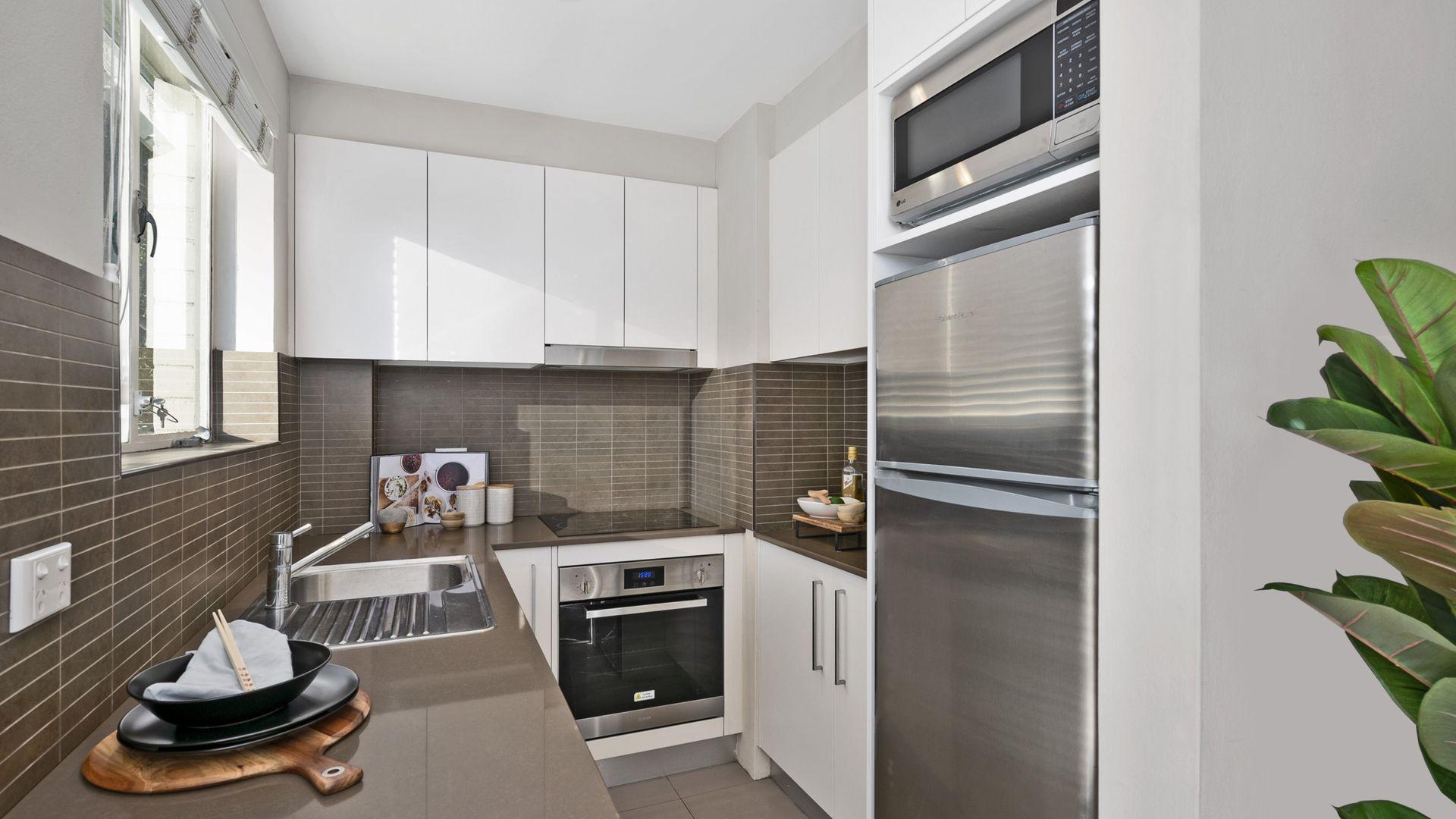 8/3-5 Riley Street, North Sydney NSW 2060, Image 2