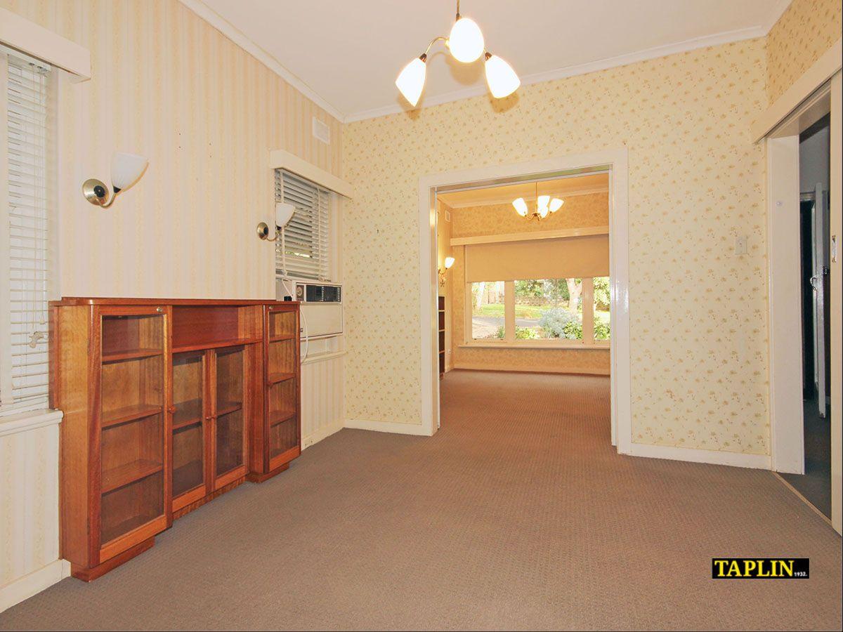 37 Sturt Avenue, Clapham SA 5062, Image 2