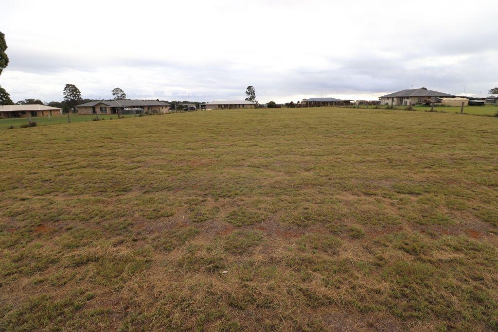 69 ROSELLA PARADE, Kingaroy QLD 4610, Image 1