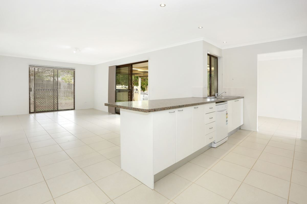 8 Solomon Court, Carrara QLD 4211, Image 0