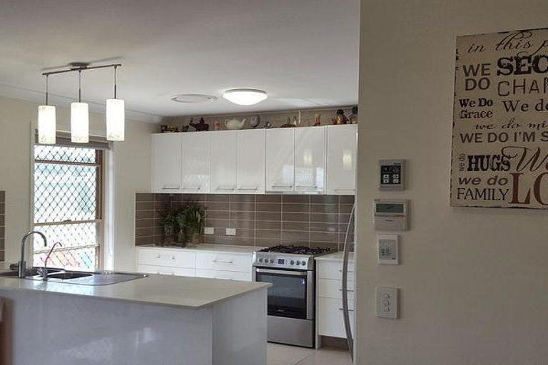 37 Hustons Place, Dalby QLD 4405, Image 2